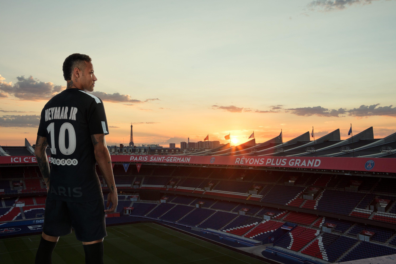 6a7e028c35e Neymar Unveils Paris Saint-Germain's All-Black Third Kit for 2017-18