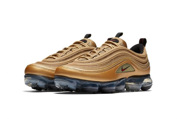 """Nike's Air VaporMax 97 Is Dropping in an OG """"Metallic Gold"""" Colourway"""