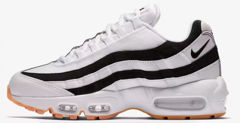 e282adbbc6028d Nike Pay Homage to a Classic  03 Juventus Shirt on New Air Max 95 OG