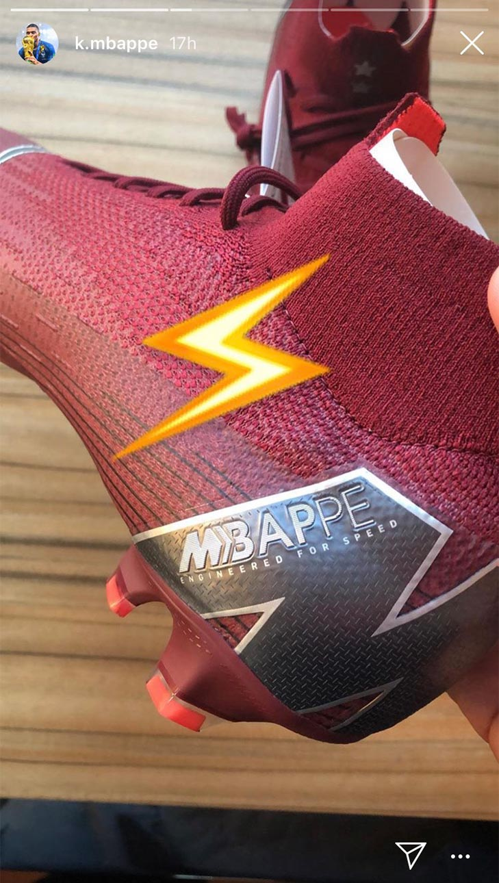 size 40 0de2a 7680f Nike Gift Kylian Mbappe Custom Pair of 'Rising Fire ...