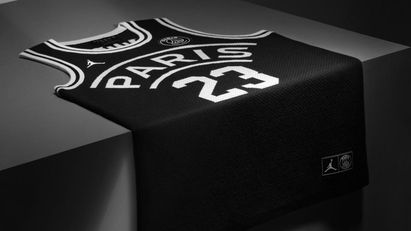 sale retailer ac9b3 df06e Paris Saint-Germain Unveil the First-Ever Jordan Brand ...