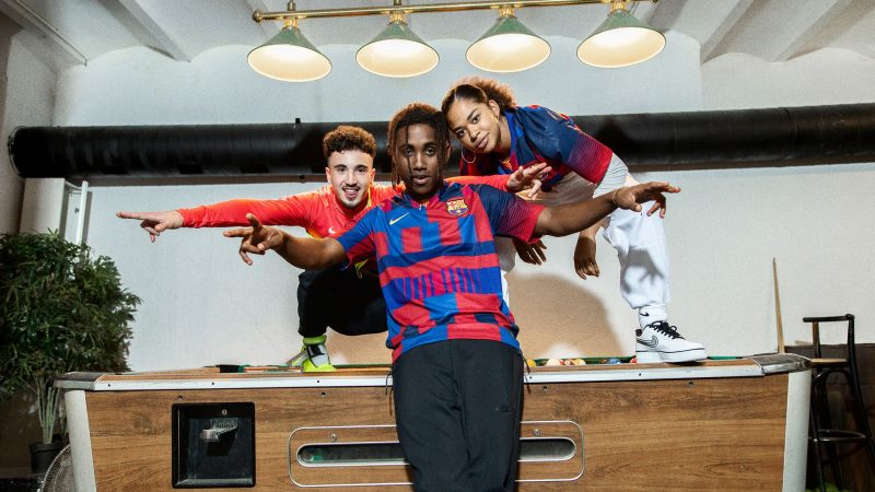 more photos 550e6 50988 Nike And Barcelona Have Created a Wavey Mash-Up Jersey to ...