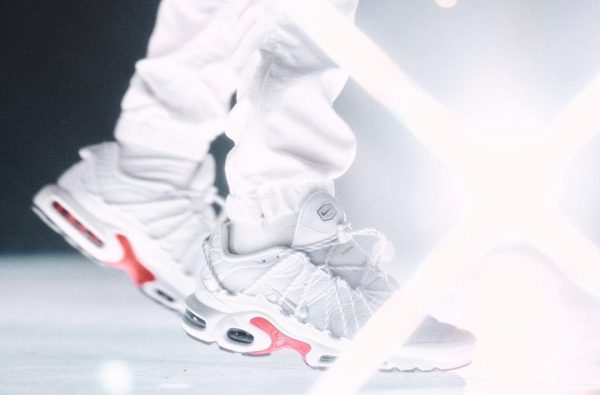 "Drake Debuts New ""Stage Use"" Nike Air Max Plus Colourway"