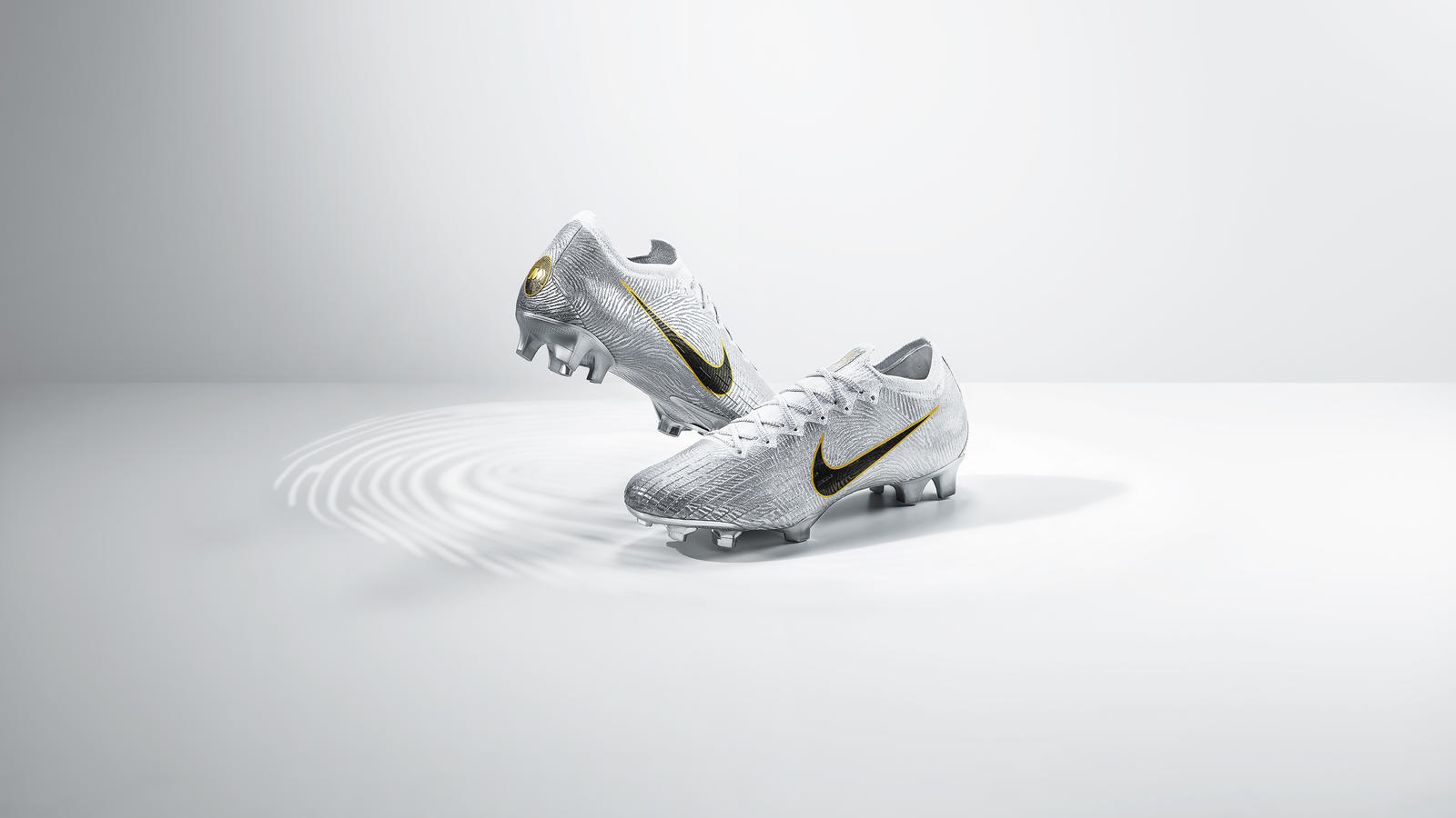 nike-golden-touch-mercurial