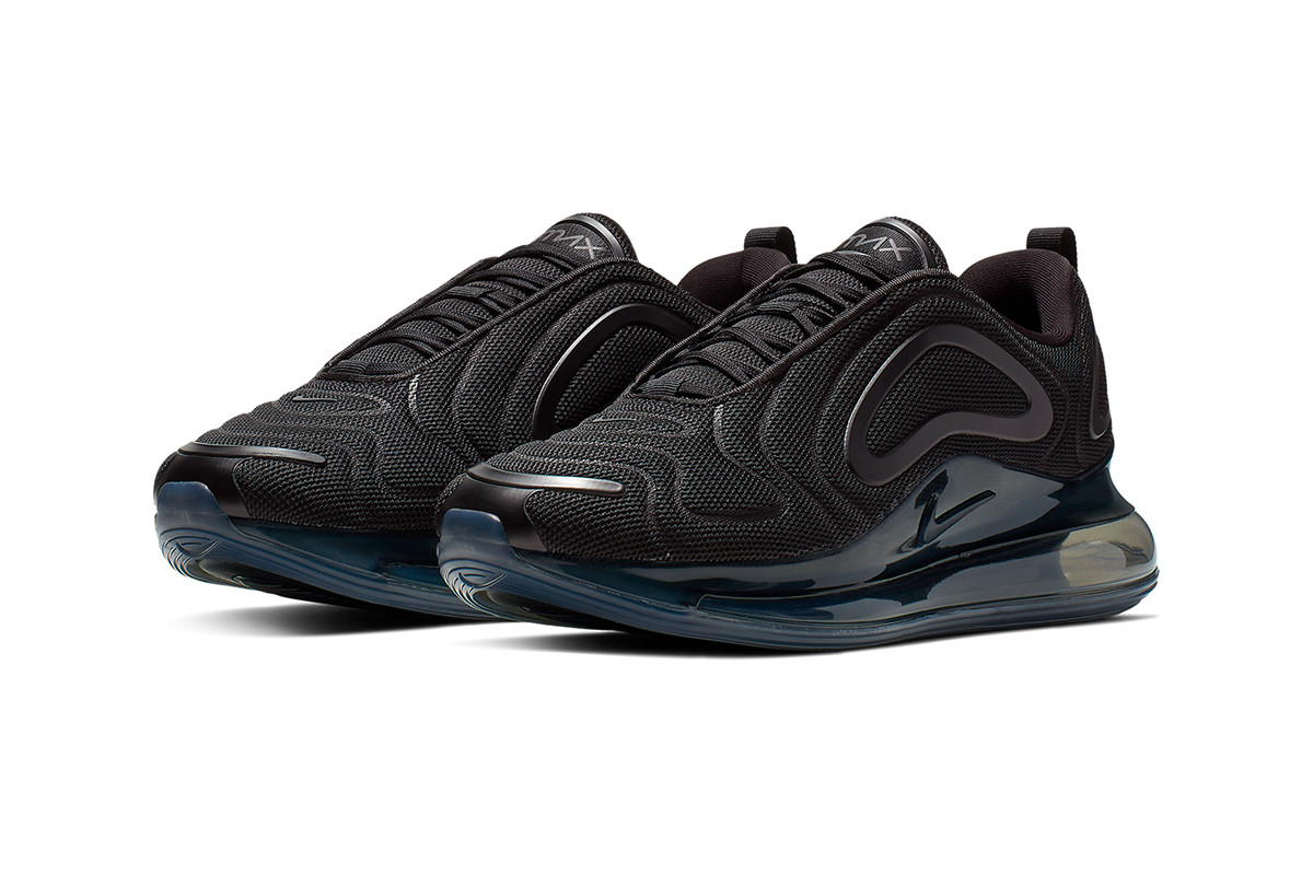 grossiste 3bef7 c69c4 The Nike Air Max 720 Gets Murdered-Out in New