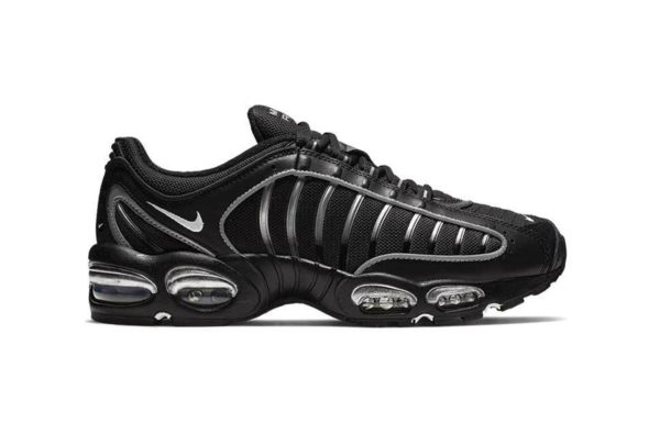 Nike are Dropping the Air Max Tailwind IV in an All-Black Colourway