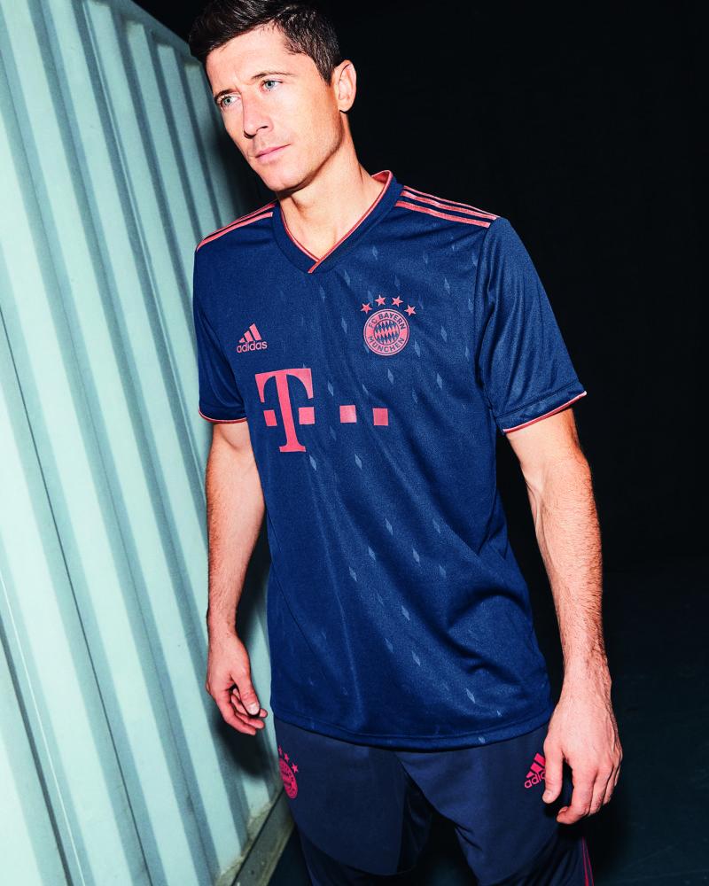 premium selection 16dfb 92c7d adidas Drops Bayern Munich's Clean, Champions League ...
