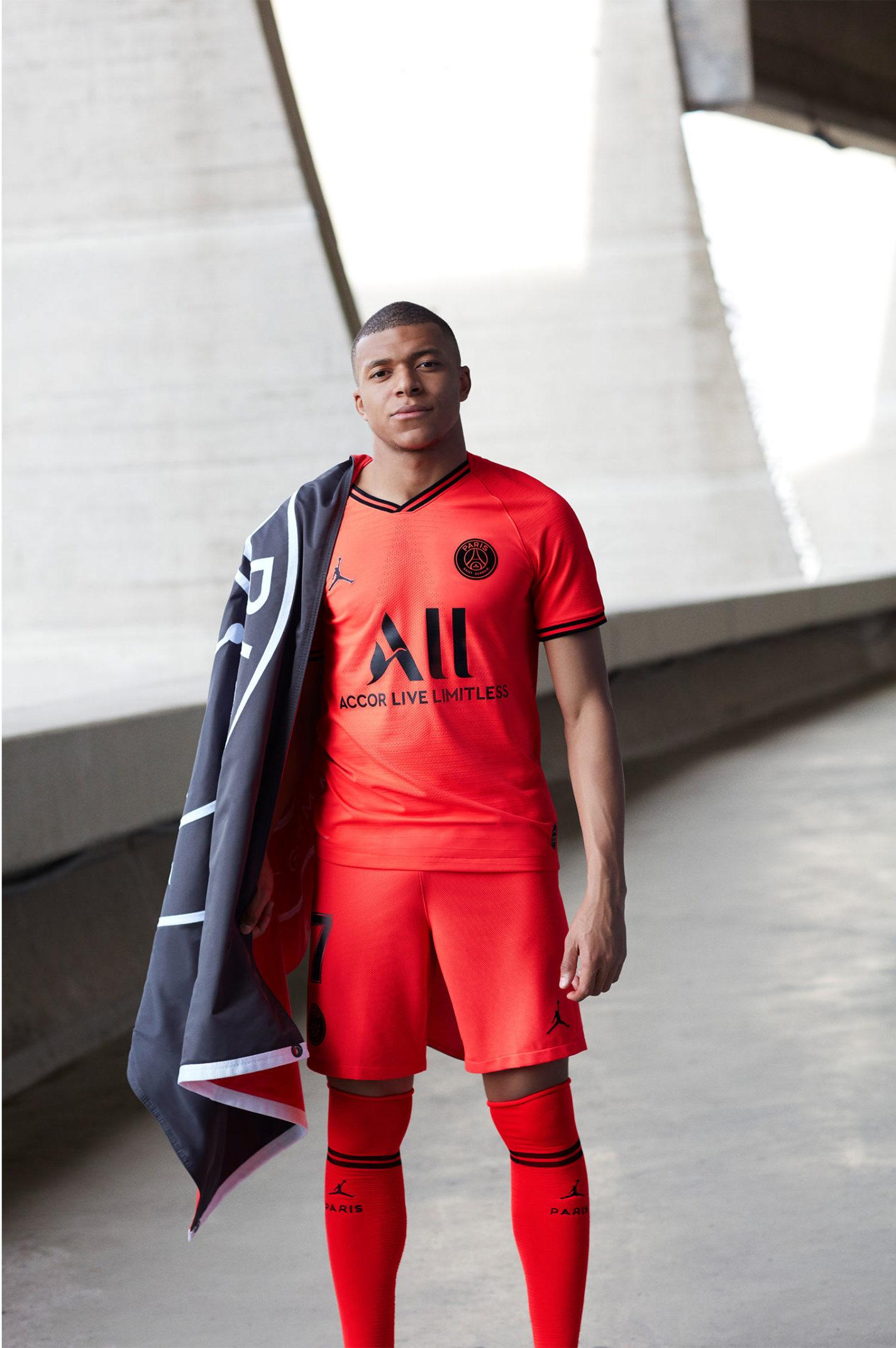 more photos 8607d 1e792 Paris Saint-Germain and Jordan Brand Go 'Infrared' for the ...