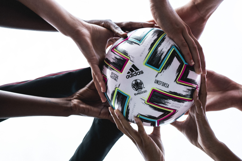 adidas-football-uniforia
