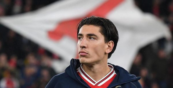 Héctor Bellerín Set to Sign with adidas After Donning X 99.1 Boots in Training