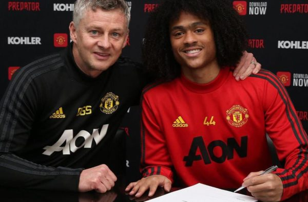 20-Year-Old Baller Tahith Chong Signs New Contract with Manchester United